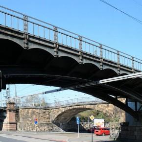 Eisenbahnbrücke_Further_Straße